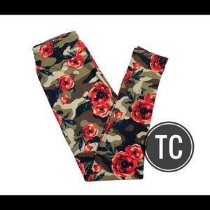Lularoe TC camo red roses floral leggings